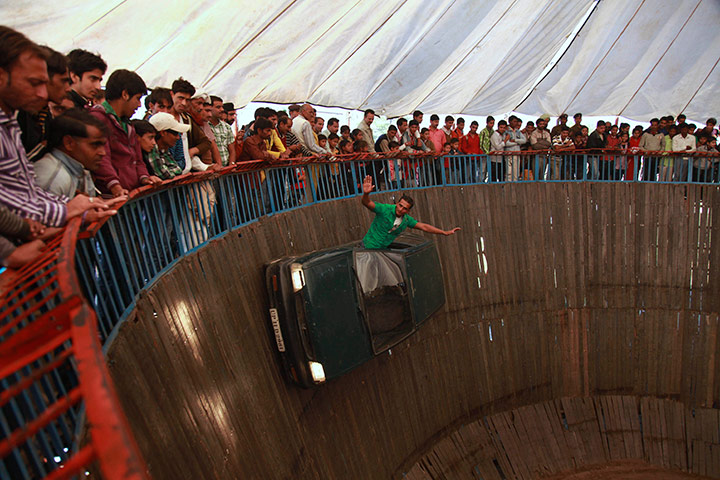 Indian stuntman rides the Wall Of Death