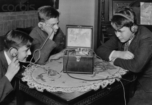 Children Listening to Radio - Image by © Bettmann/CORBIS